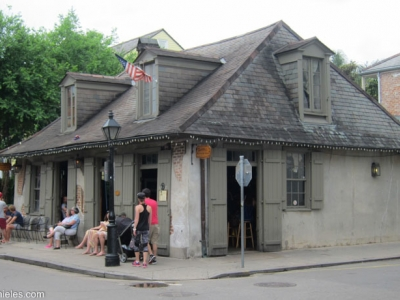 Oldest bar in america