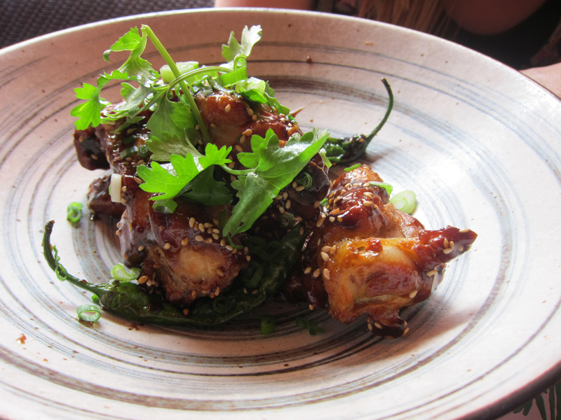 Crispy, tangy chicken wings at Cheu Noodle Bar